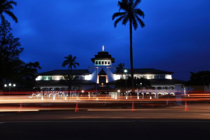 Stadion Jalak Harupat Bandung 22koleksi Gedung Sate Kab