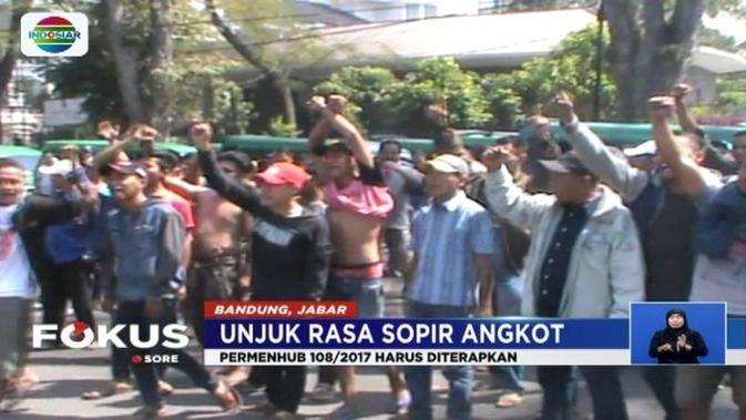 Unjuk Rasa Gedung Sate Tuntutan Ratusan Sopir Angkot Bandung Kab