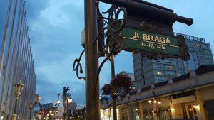 15 Wisata Budaya Bandung Menarik Tempatwisataunik Jalan Braga Kab