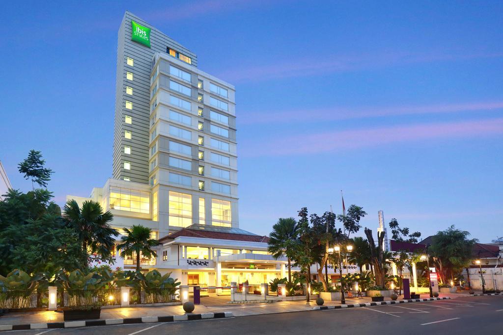 Hotel Sepanjang Jalan Braga Bandung Jawa Barat Cloud Travel Nah
