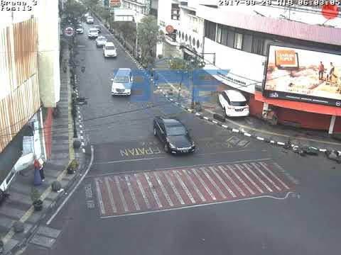Kecelakaan Jalan Braga Bandung 20 9 2017 Youtube Kab