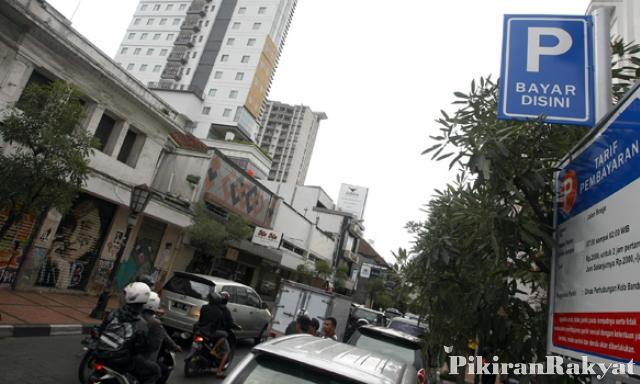 Meteran Parkir Dipasang Jalan Braga Pikiran Rakyat Usep Usman Nasrulloh