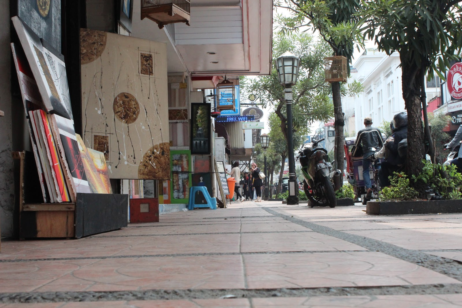 Nuansa Eropa Jalan Braga Belajar Nulis Feature Suasana Kab Bandung