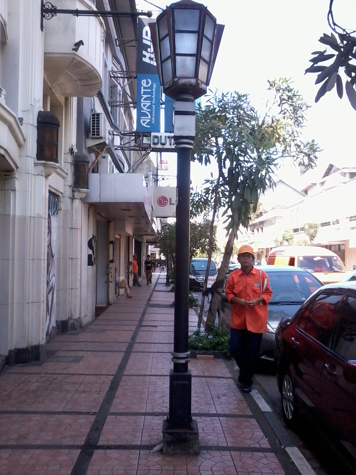 Pengalaman Hidup Pilihan Wisata Menarik Bandung Lampu Jalan Khas Braga