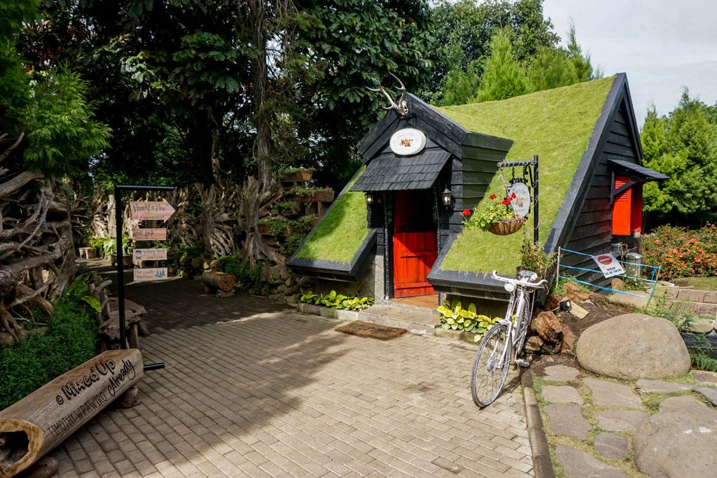 Pariwisata Husein Sastranegara Airport Farmhouse Museum Barli Wisata Bandung Kab