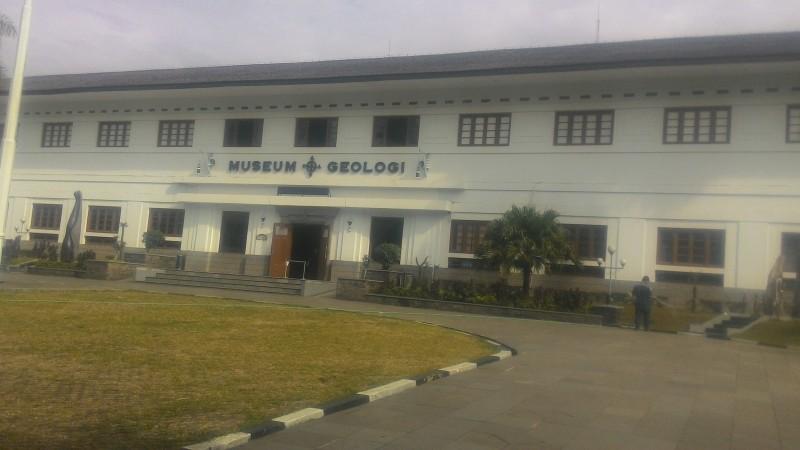 Budaya Wisata Museum Geologi Bandung Jadi Tempat Kunjungan Favorit Pelajar