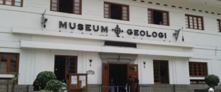 Traveling Sambil Menimba Ilmu Museum Geologi Bandung Kab