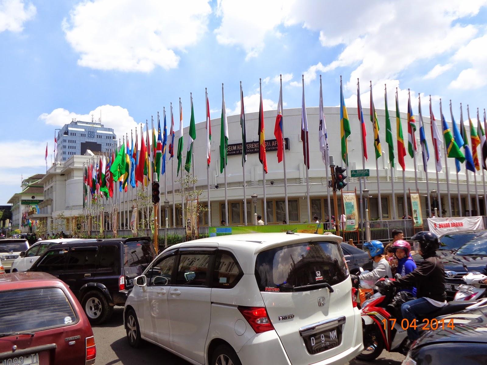Buka Kaa 59 Ratusan Bendera Negara Dikibarkan Serentak Seputar Sjo