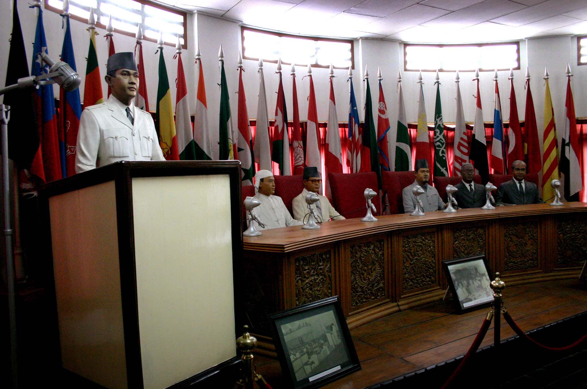 Penjajakan Kerja Sama Antara Museum Konfrensi Asia Afrika Prodi Bahasa