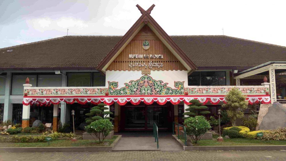 50 Tempat Wisata Bandung Ngangenin Pisan Dijamin Keren Museum Sri
