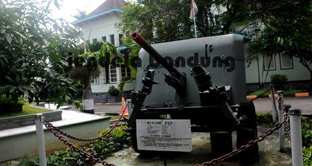 Inilah 50 Tempat Wisata Menarik Bandung Terkenal Museum Mandala Wangsit
