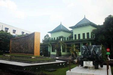 Tampak Depan Museum Mandala Wangsit Siliwangi Tempat Rekreasi Bandung Jpg