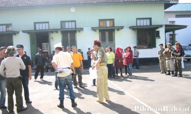 Teatrikal Perang Meriahkan Peringatan Bandung Lautan Api 2013 Kodar Solihat