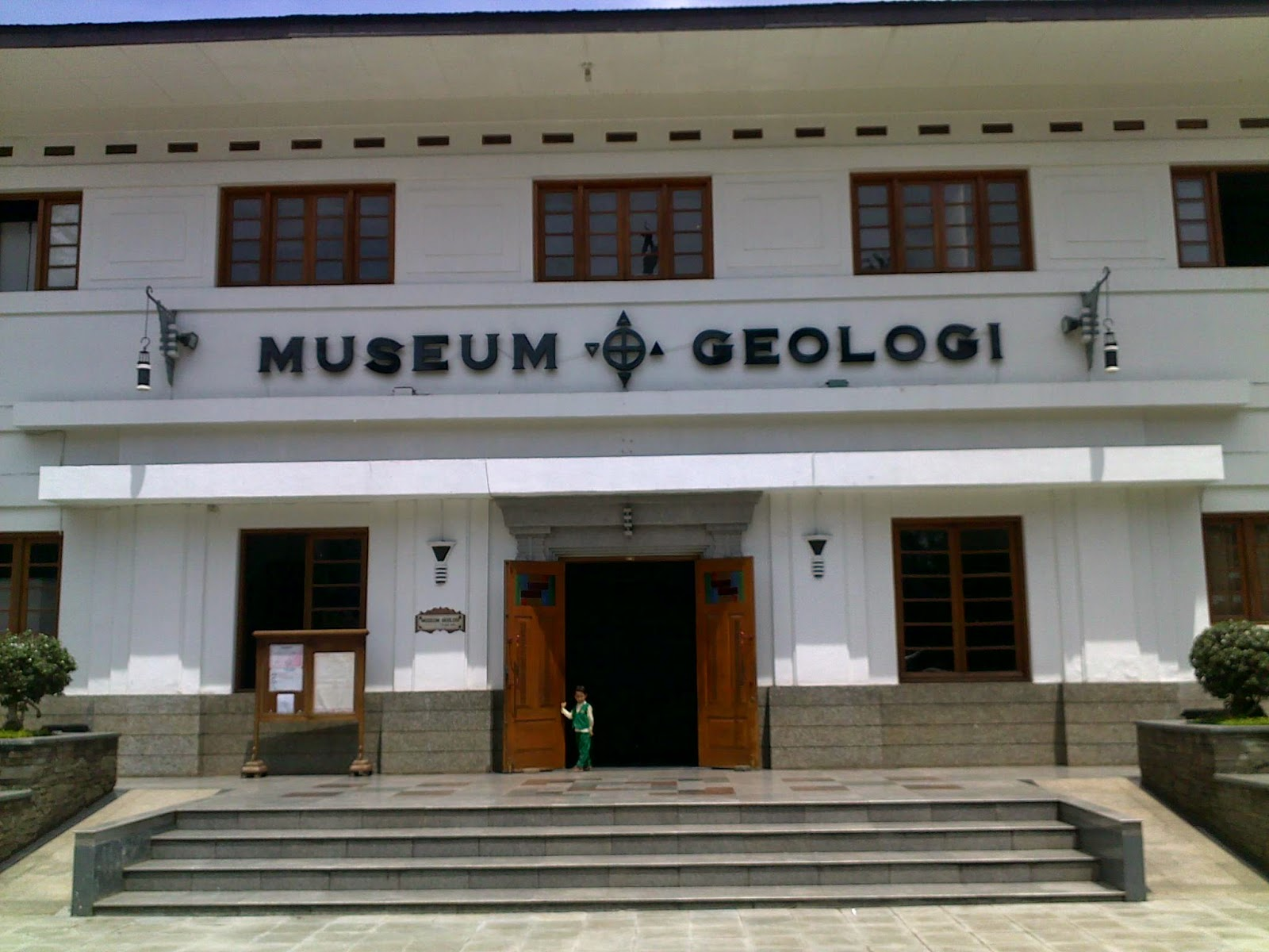 Tempat Wisata Bandung Nusantara Museum Geologi Wangsit Mandala Siliwangi Kab