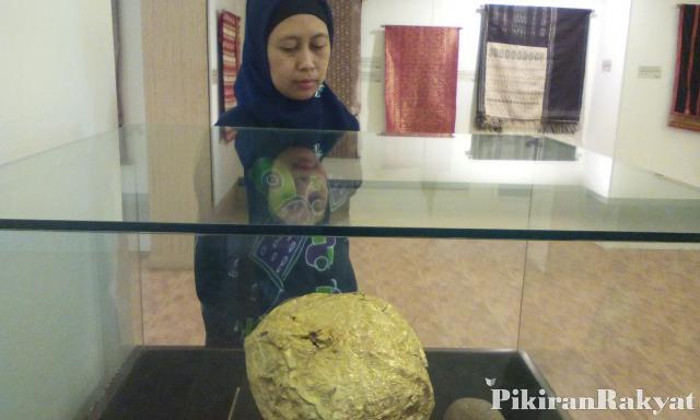 Museum Sri Baduga Gelar Pameran Pesona Koleksi Etnik Nusantara Retno