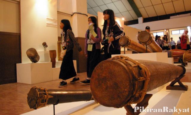 Museum Sri Baduga Pamerkan Alat Musik Nusantara Pikiran Rakyat Retno