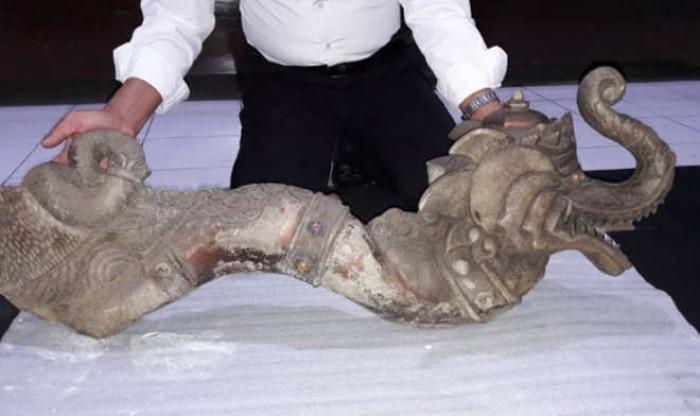 Patung Kepala Naga Berbelai Gajah Ditemukan Gunung Lalakon Batu Berbentuk