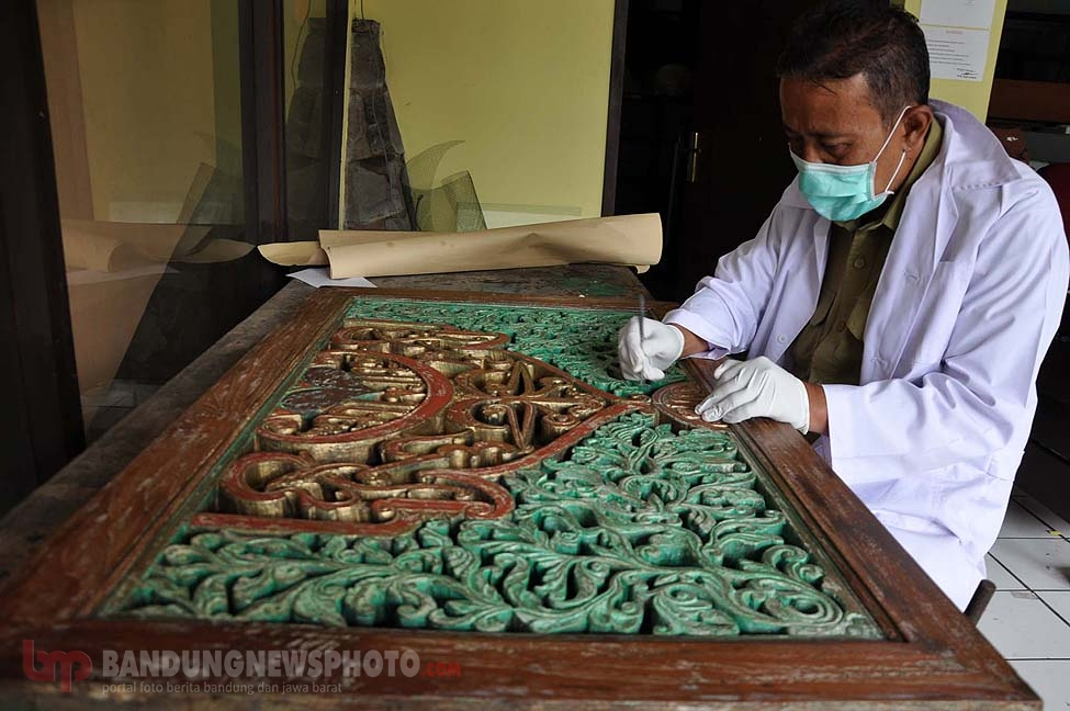 Sri Baduga Lakukan Restorasi Kaligrafi Kuno Abad 18 Bandungnewsphoto Media