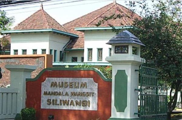 46 Tempat Wisata Bandung Murah Meriah Tak Membosankan Museum Mandala