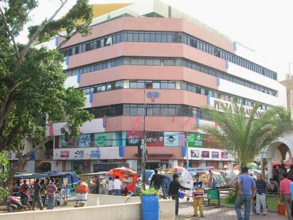 Gedung Plaza Parahyangan Bandung Jendela Informasi Salah Satu Pusat Perbelanjaan