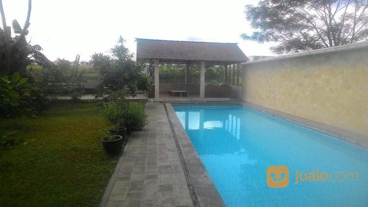 Rumah Kolam Renang View Danau Kota Parahyangan Kab Renan Dijual