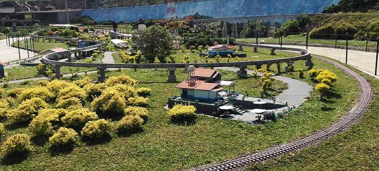 Floating Market Lembang Bandung Harga Tiket Masuk Wahana Fasilitas Taman