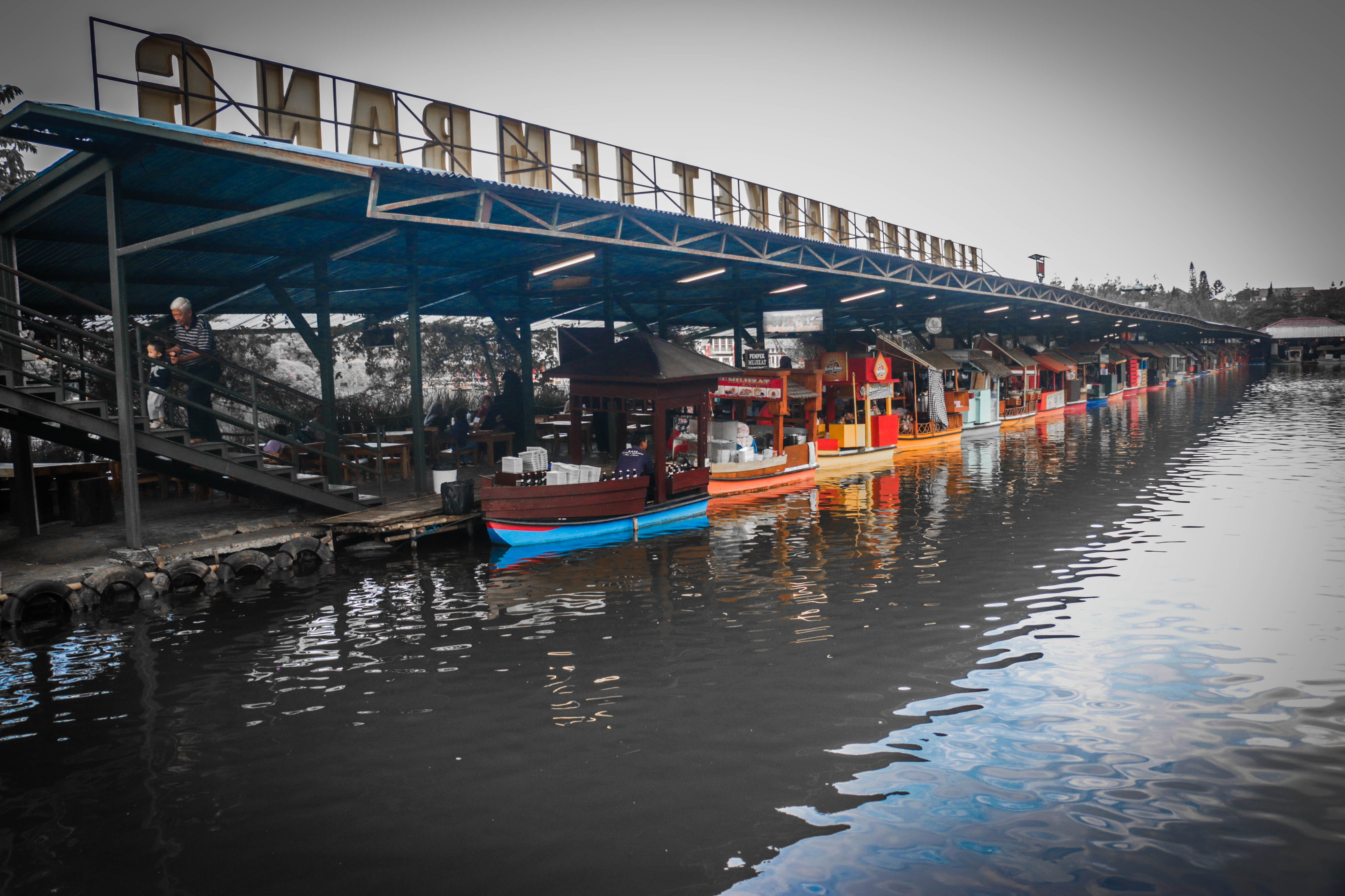 Floating Market Lembang Nikmati Jajanan Khas Sunda Wisata Menuju Pasar