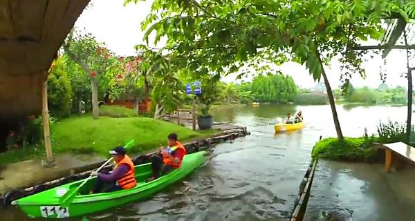 Floating Market Lembang Pasar Terapung Bandung Lokasi Wisata Apung Kab