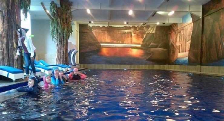 Hijab Swimming Pool Info Harga Tiket Fasilitas Lembang Pasar Apung