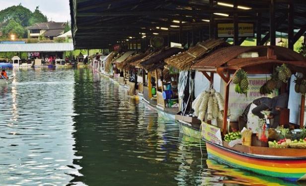 Objek Menarik Floating Market Bandung Widya Wisata Pasar Apung Lembang