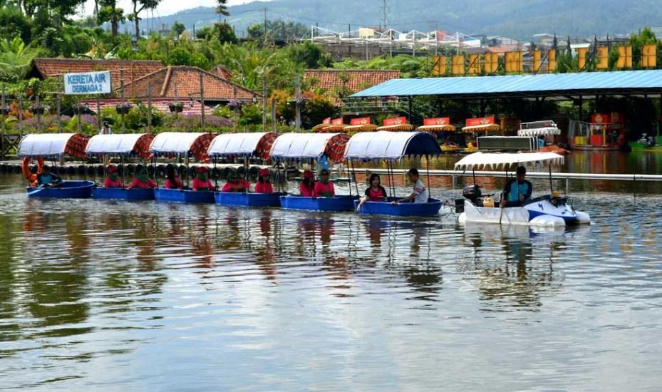 Wisata Floating Market Lembang Bandung Tempatku Pasar Apung Kab