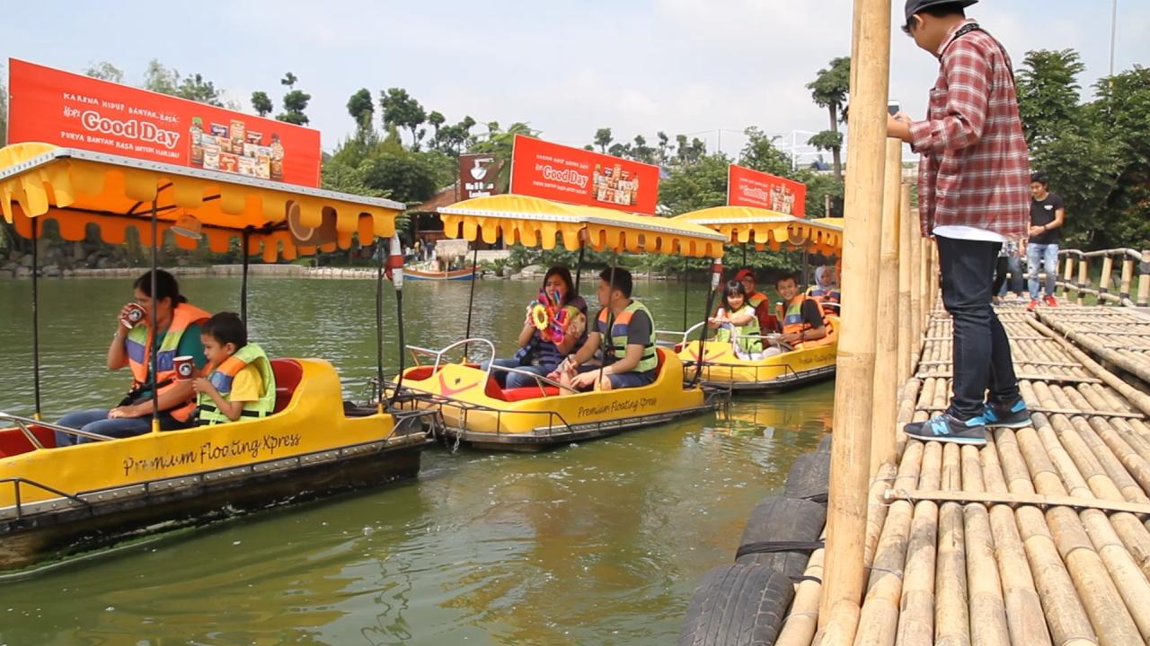 Wisata Kuliner Floating Market Lembang Bandung Utara 6 Pasar Apung