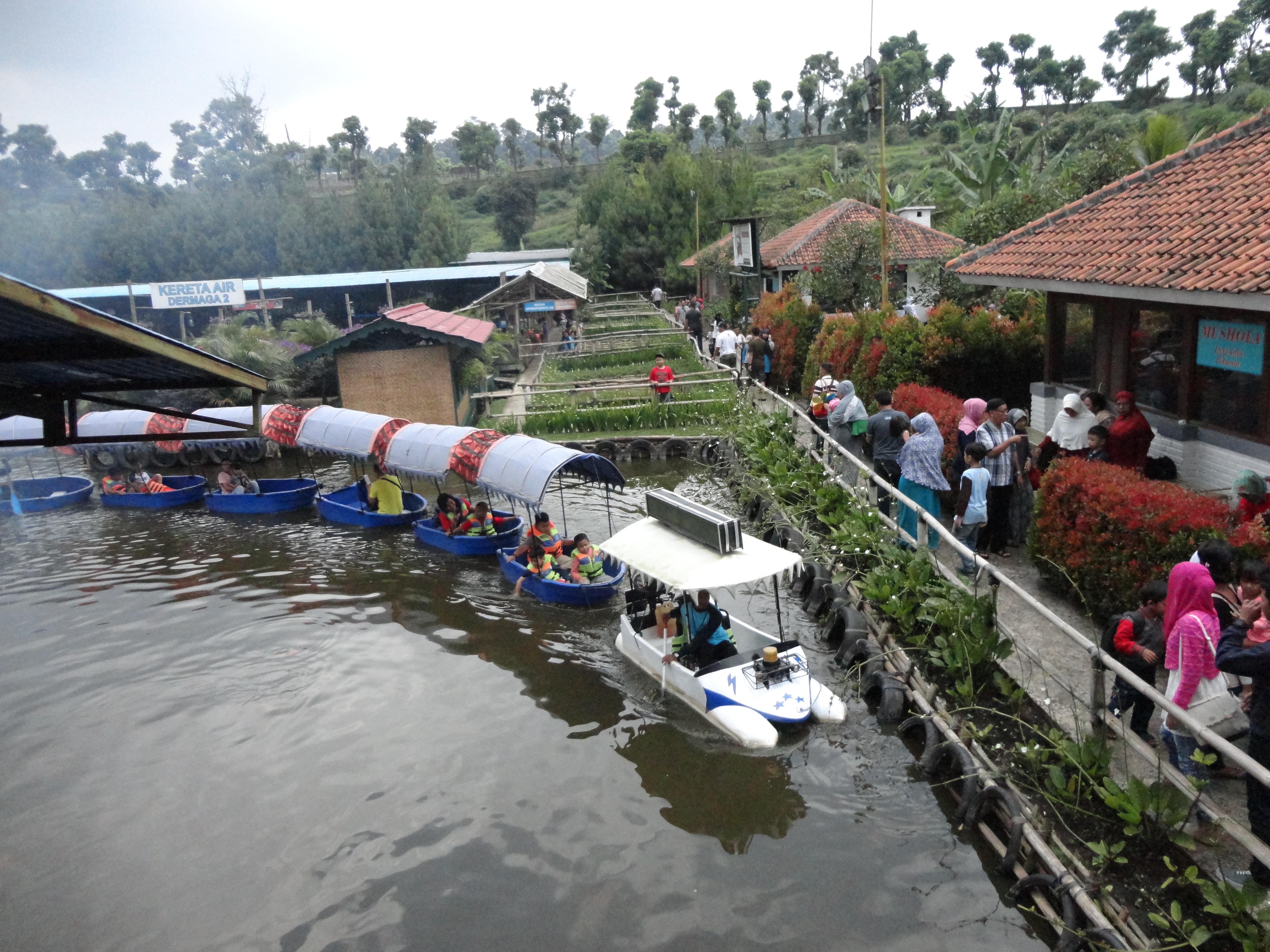 Yuk Mampir Floating Market Lembang Live Life Peace Pasar Apung