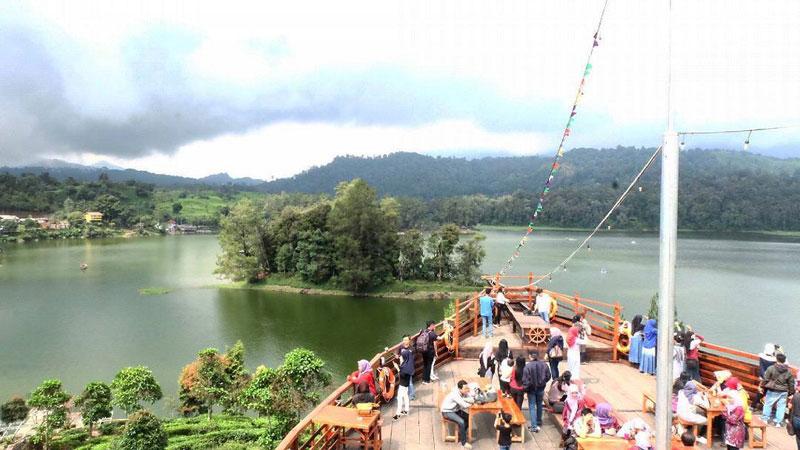14 Rainforest Hotels Bandung Escape City 4 2 Glamping Lakeside