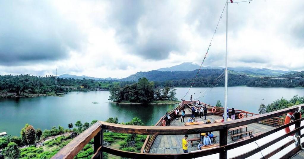6 Tempat Makan Enak Pemandangan Cantik Ciwidey Bandung Pinisi Resto