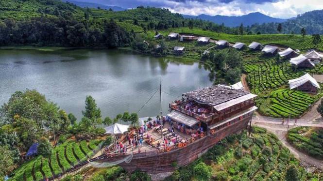 Glamping Lakeside Primadona Wisata Bandung Selatan Viva Pinisi Resto Kab