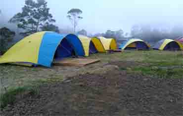 Glamping Lakeside Rancabali Reservasi Bantuan Family Adventure Pinisi Resto Kab