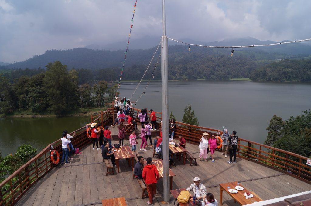 Harga Tiket Masuk Glamping Lakeside Rancabali 2018 Htm Terbaru Pinisi