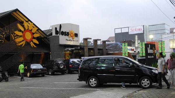 13 Factory Outlet Murah Terkenal Bandung Bikin Wow Blossom Rumah
