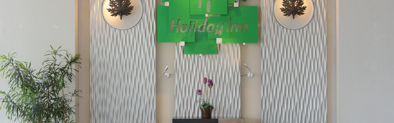 Holiday Inn Bandung Pasteur Hotel Ihg Front Desk Group Check