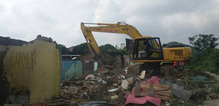Puluhan Rumah Kabupaten Bandung Barat Dibongkar Pt Kai Pojok Jabar