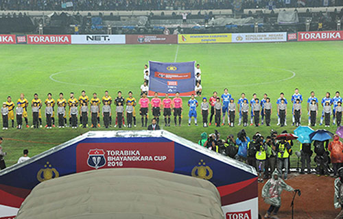 Foto Gub Mendampingi Presiden Ri Jokowi Pembukaan Torabika Bhayangkara Cup