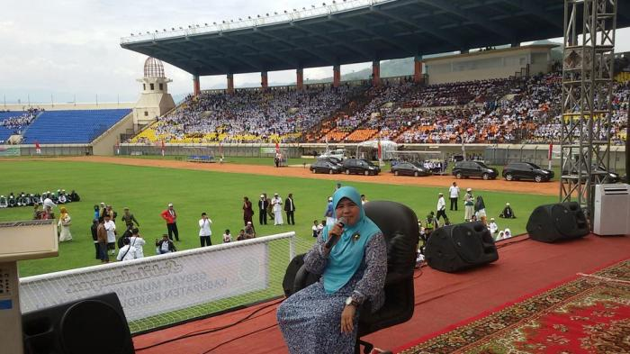 Mamah Dedeh Stadion Jalak Harupat Yuk Tribun Jabar Kab Bandung