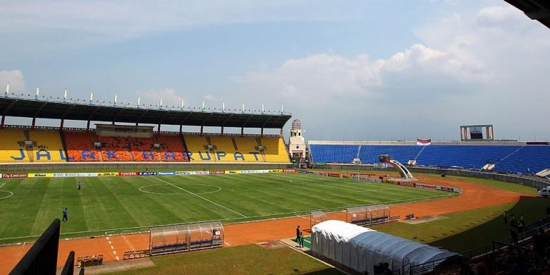 Persib Tentu Menjamu Persegres Stadion Jalak Harupat Suasana Bagian Dilihat