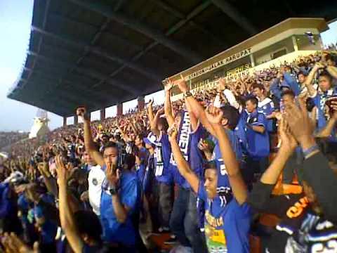 Tribun Timur Utama Stadion Jalak Harupat Bandung Youtube Kab