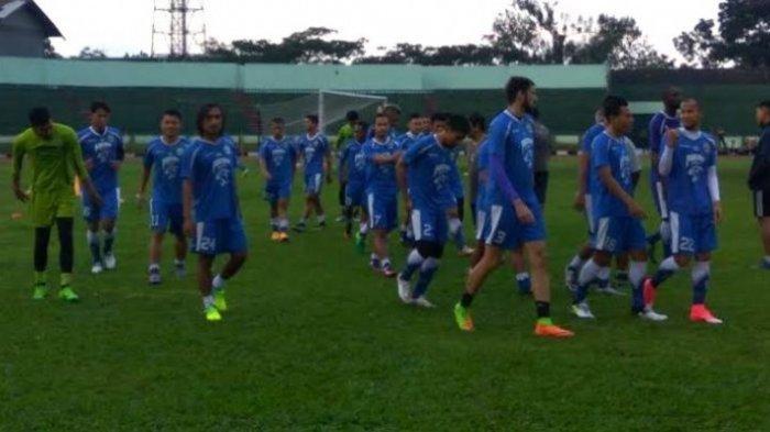 Mario Gomez Stadion Bersejarah Jadi Tempat Latihan Persib Bandung Siliwangi