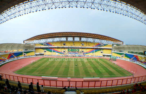 Menpora Buka Kualifikasi Sepakbola Pon Xix Stadion Wibawa Mukti Bandung