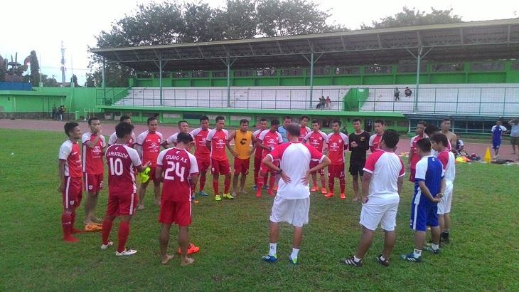 Persika Karawang Hegemoni Persib Bandung Jawa Barat Pandit Stadion Siliwangi