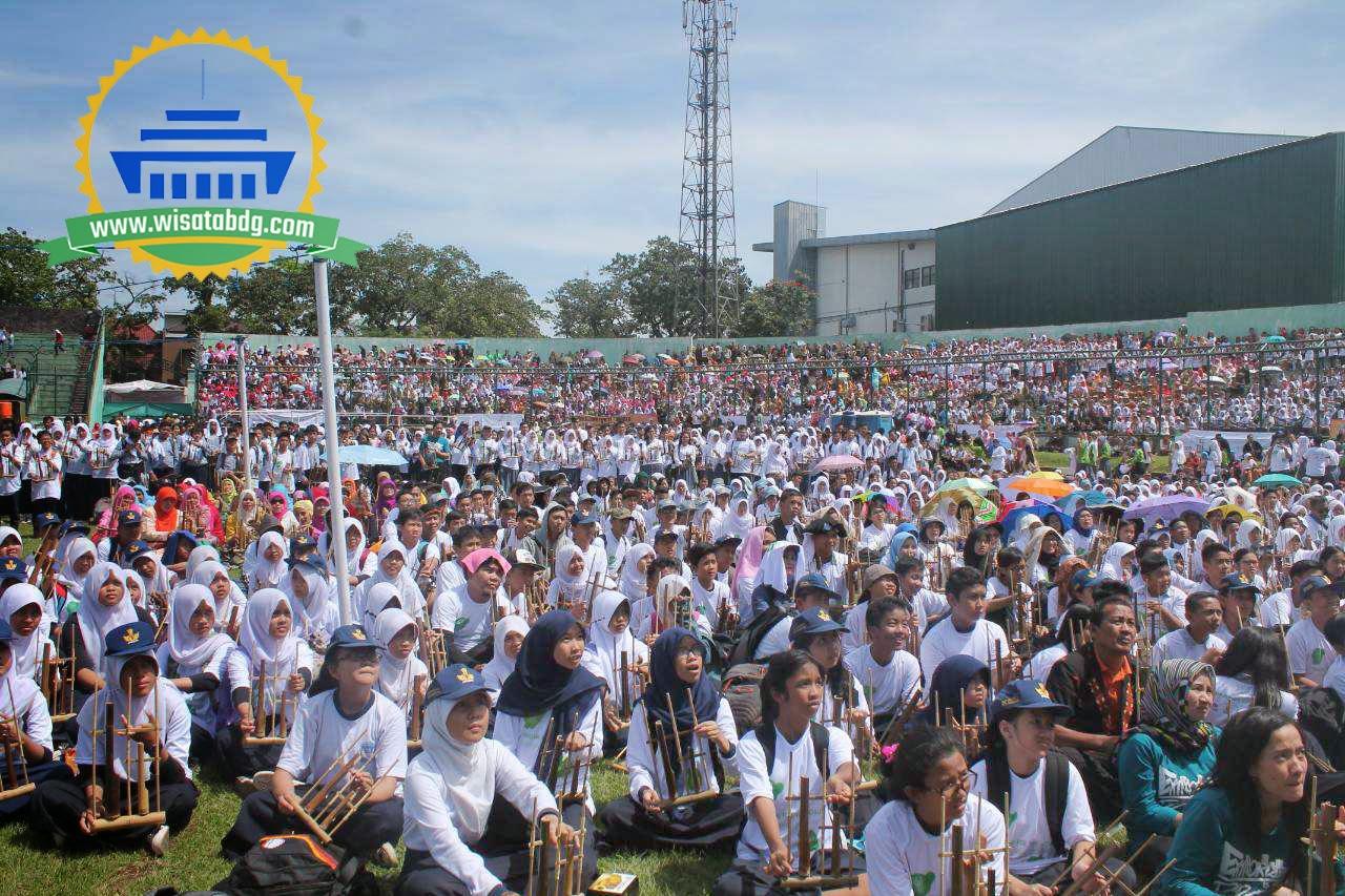 Rekor 20 000 Permainan Angklung Bandung Perdamaian Dunia Perhelatan Akbar