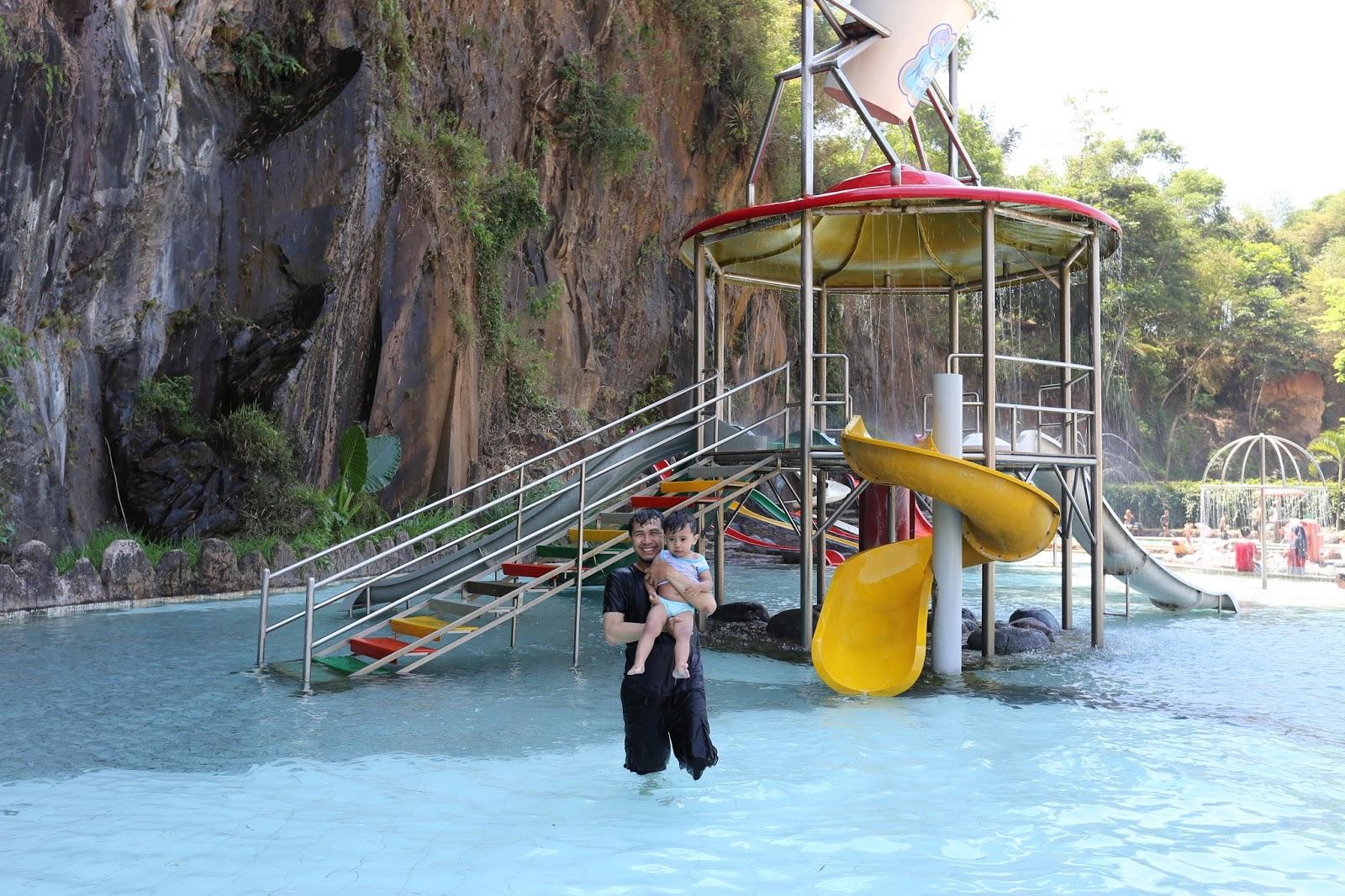 Prajnadaksini Main Pesona Nirwana Waterpark Soreang Ember Tumpah Tapi Shoot